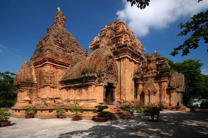 Tour Thanh Pho Nha Trang Thap Ba Ponagar
